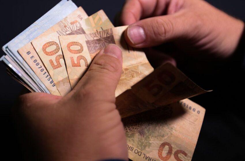 Bancos terão de devolver R$ 8 bilhões a brasileiros. Entenda!